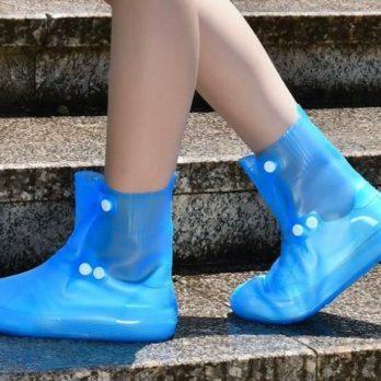 Cubre Zapatos, tipo bota en silicona con botón ajustable.